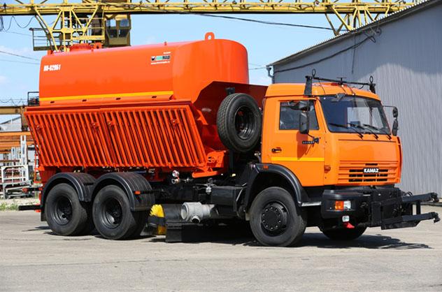 Комбинированная дорожная машина (КДМ) КО 829Б1